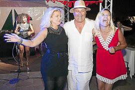 Gute Stimmung: Thomas Krauß (MC-Fincaservice) mit Sabine Pamer (r.) und Maja Stanic vom Golfclub Son Gual.