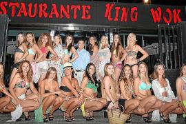 Abendessen im Restaurant zählt auch zum Pflichtprogramm der Mädchen.