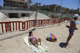 Stadtwerke reinigen Kanal an der Playa de Palma