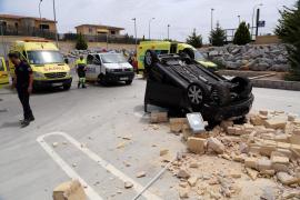 69-Jährige stürzt mit Auto in die Tiefe