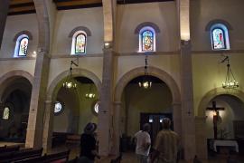 Neue Gustavo-Kirchenfenster in Cala Rajada