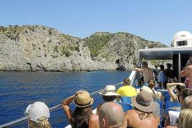 Mallorca mal von Außen betrachtet: Bootsausflüge bieten neue Perspektiven.