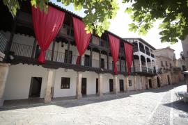 Eine Frontansicht im Pueblo Español.