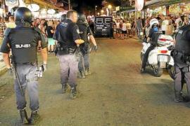 Neun deutsche Randalierer im Bierkönig festgenommen