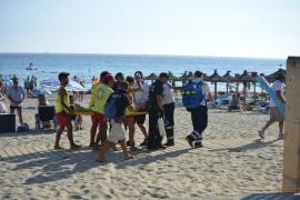 65-Jährige am Strand von Peguera wiederbelebt