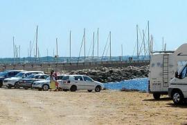 Unmut über parkende Autos an Küste von Sa Ràpita