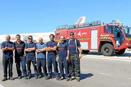 Ein Team der Flughafenfeuerwehr Palma.