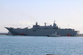 Marine-Flaggschiff liegt im Hafen von Palma de Mallorca