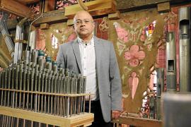 Ein ganz unüblicher Organist in der Kathedrale