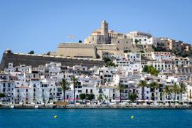 20 Festnahmen wegen Betrugs mit Ferienwohnungen