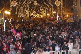 Barrikaden sollen Silvesterparty sicher machen