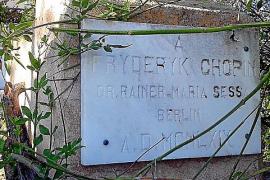 Diese Gedenktafel wurde 1969 von einem deutschen Musikforscher angebracht.