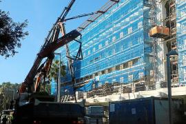 Ebenfalls an der Playa de Palma wird das Hotel Riu Festival derzeit vollständig entkernt und generalsaniert.