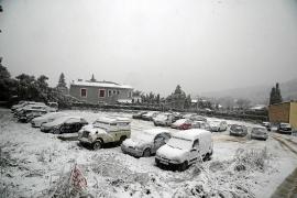 Am Dienstag blieb der Schnee in Bunyola im Westen von Mallorca liegen.
