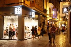 Läden im Sommer bis 21.30 Uhr offen