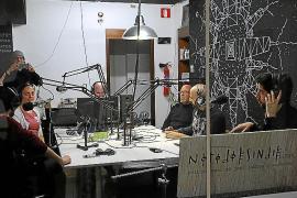 Aus der UKW-Frequenz 105,4 sendet Radio Sputnik direkt aus der Casa Planas.