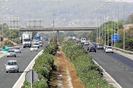 Grünstreifen auf Autobahnen sollen Busspur werden