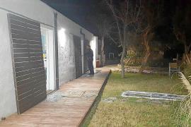 Haus mit Insektenspray in die Luft gesprengt