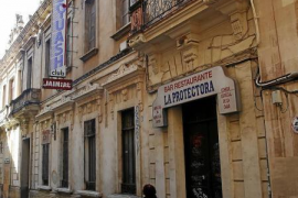 Cappuccino-Gruppe kauft ehemaligen Kinosaal