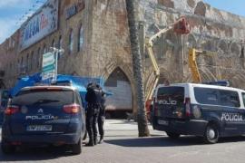 Polizei durchsucht Mega-Park, Besitzer festgenommen
