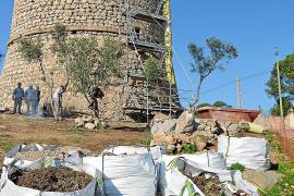 Antiker Wachturm von Andratx wird herausgeputzt