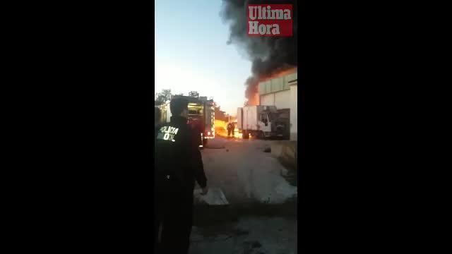 Feuerwehr verhindert Flammen-Inferno