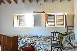 In diesem Zimmer fand Chantal unzählige historische Dukumente wie alte Briefe, Handzeichnungen, Haushaltsbücher oder militärisch