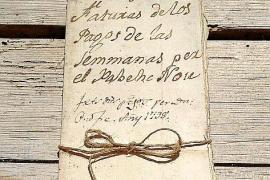 Alte Dokumente, wie dieses Haushaltsbuch aus dem Jahre 1798, werden nun von Chantal gesichtet und archiviert. Einiges hat sie de