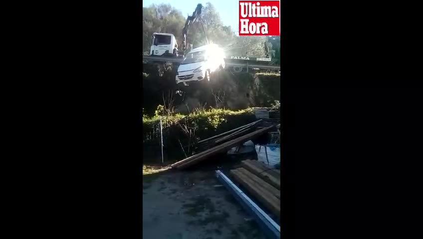 Auto stürzt bei Valldemossa vier Meter in die Tiefe
