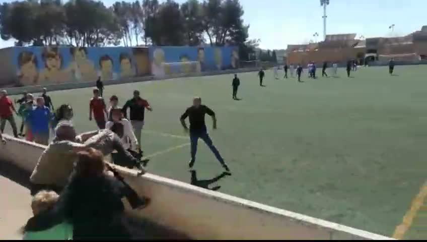 Eltern-Prügelei bei Jugend-Fußballspiel hat Folgen