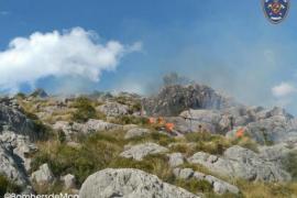 Brand in den Bergen bei Pollença