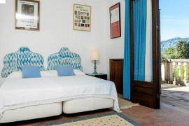 Ein Schlafzimmer der Finca Can Poleta. Der neue Besitzer soll ein Schweitzer sein.