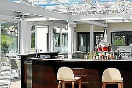 Die neue Bar im Wintergarten.