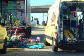 Lkw-Fahrer beim Entladen schwer verletzt