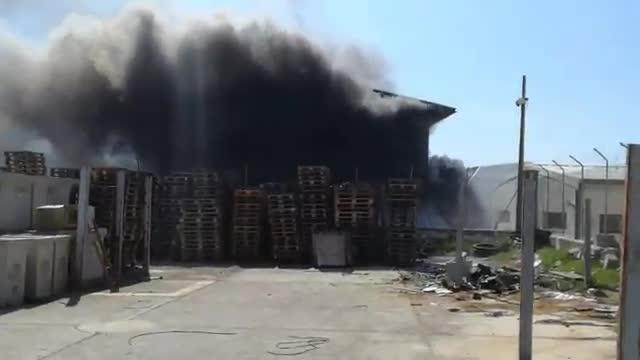 Lagerhalle bei Palma fiel Flammen zum Opfer