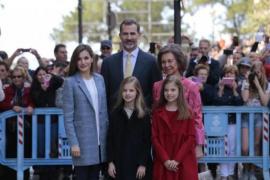König Felipe fuhr selbst zur Ostermesse in Palma