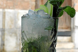 Der Rebujito besteht aus Sherry und Limonade.