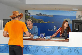 Die Touristen-Informationsbüros sind (außer am Wochenende) im Sommer den ganzen Tag geöffnet