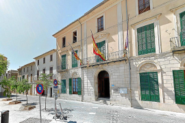 Spanien-Fahne vom Rathaus in Porreres gestohlen