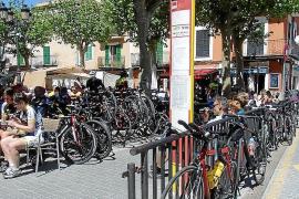 Knöllchen für falsch geparkte Fahrräder