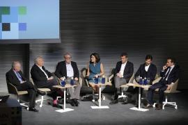 In der von Paula Serra moderierten Gesprächsrunde sprachen Väter und Söhne über die gemeinsame Arbeit in ihren Unternehmen.