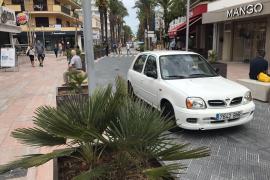 Can Picafort: Pflanzenkübel statt Palmenallee