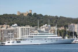 """Megayacht """"Rising Sun"""" liegt im Hafen von Palma"""