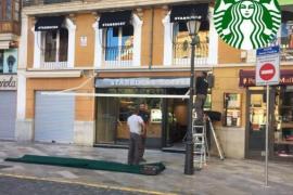 Starbucks-Filiale an Plaça Cort eröffnet