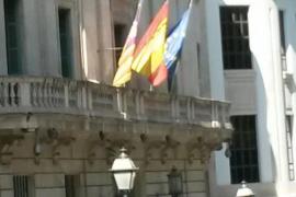 Schweigeminuten und Flaggen auf halbmast in Palma
