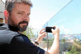 Jaume Tomàs Vicens ist Klavierlehrer. In seiner Freizeit geht er seiner Leidenschaft nach und fotografiert, wann immer er kann.