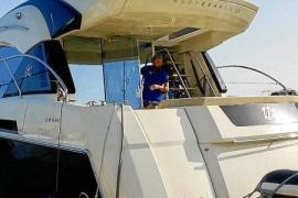 Drohne filmt nackte Frauen auf Boot vor Mallorca