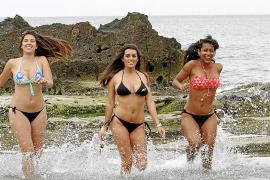Mallorca-Models präsentieren die neuesten Bikini-Trends