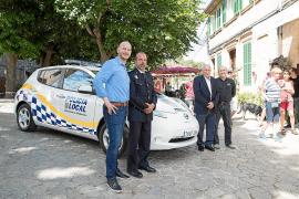 Polizei Valldemossa mit E-Auto auf Verbrecherjagd