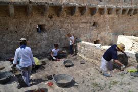 Neue Grabungen auf der Burg von Capdepera laufen